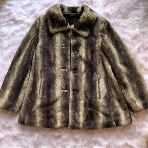 Jackets & Blazers - Faux fur collared oversize coat